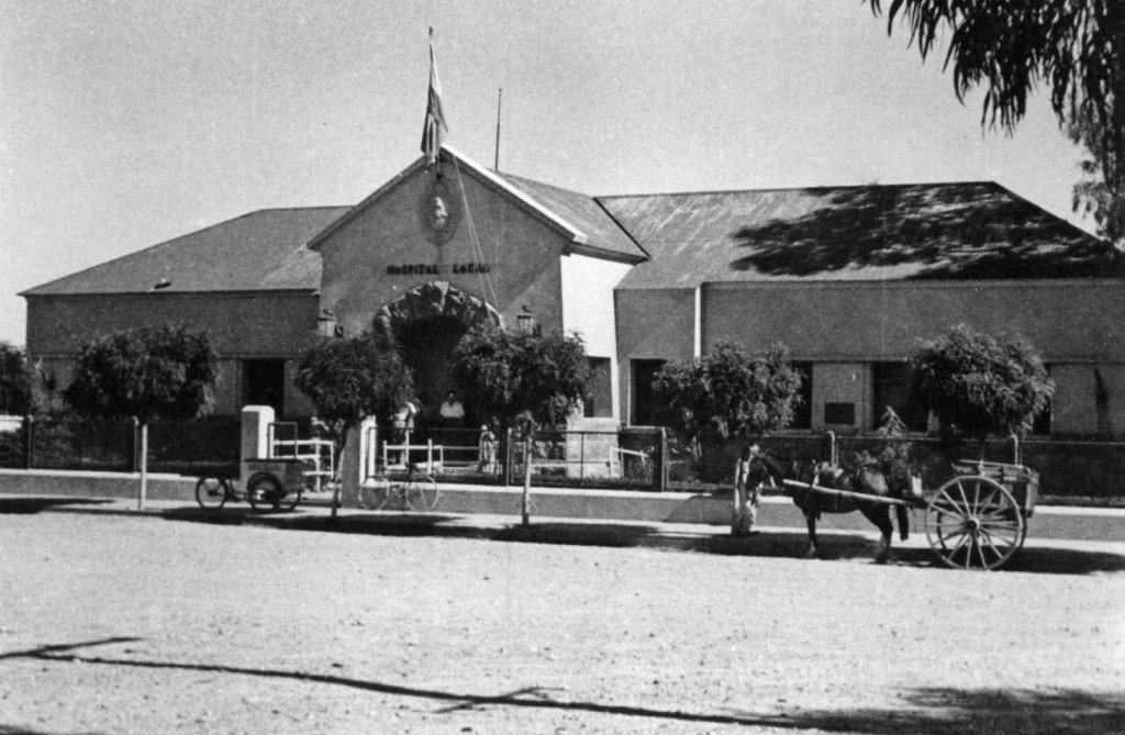 El 21 de febrero de 1940 se crea en Neuquén el Comando de la VI División del Ejército. El flamante Comando no tenía sede propia por lo que los militares miraban con cierta codicia el el edificio del hospital que aún no se había inaugurado.