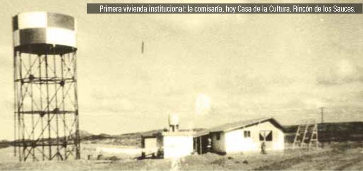 Primera vivienda institucional, única en el año 1971. Ubicada en el sector donde hoy es el centro de la ciudad, fue construida inicialmente para funcionar como co- misaría. Desde hace veinte años es residencia de la Casa de la Cultura. El tanque elevado fue el que inicialmente suministró agua a los pocos pobladores.