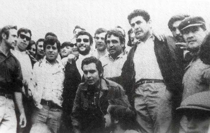 Parados en segundo plano: Armando Olivares, Adam Torres, Antonio Alac, Pascual Rodriguez.