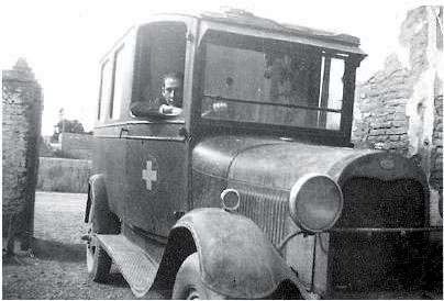 Oscar Arabarco, también fue chofer en aquellos años de una Ambulancia Ford A modelo 30.