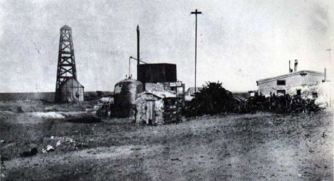 Pozo n°1 y destilería en Plaza Huincul - 1919