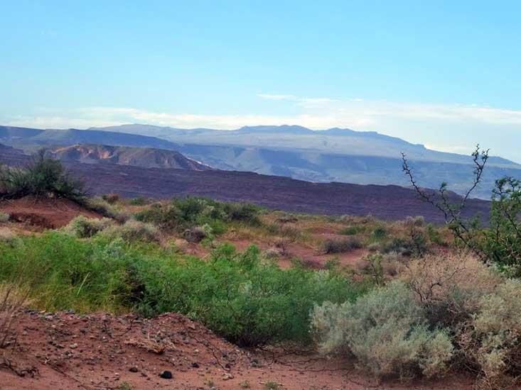 Vista del cerro Auca Mahuida, en proximidades del arroyo Carranza