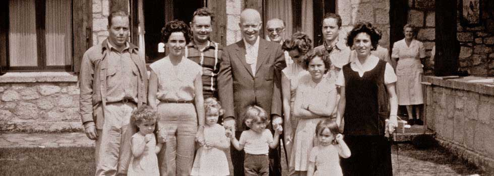 Toda la familia Lariviére con el Presidente Eisenhower - 1961