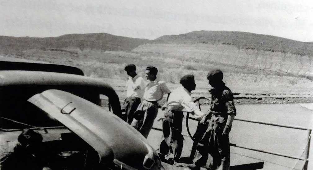 Cruce en la balsa el Huitrín - década del 40/50
