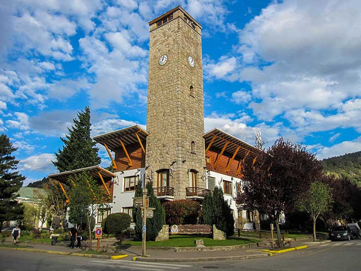 Edificio de la Municipalidad de San Martín de los Andes en la actualidad.