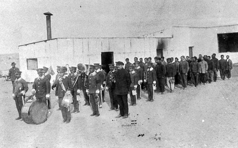 Internos que componían la Primera Banda de Música en la ciudad de Neuquén