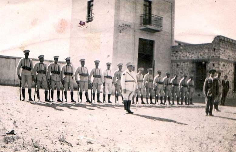 Formación frente a la Cárcel – Año 1936