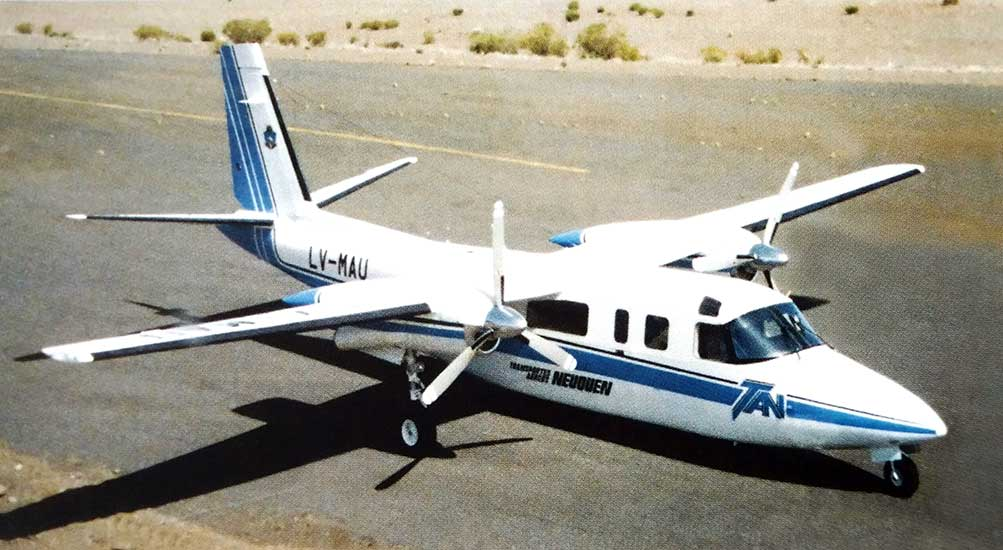 Aero Commander 680 LV-MAU de la flta de TAN (Trasportes Aéreos Neuquén)