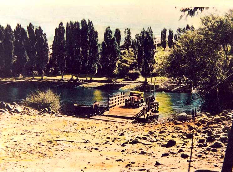 Balsa del río Aluminé en 1930