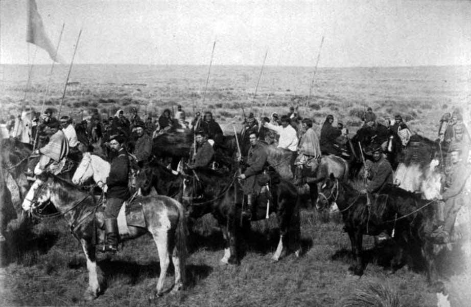 El Comandante Ruibal llega a Codihue con el cacique Reuqué Curá y su tribu sometida. 6 de Mayo de 1885.