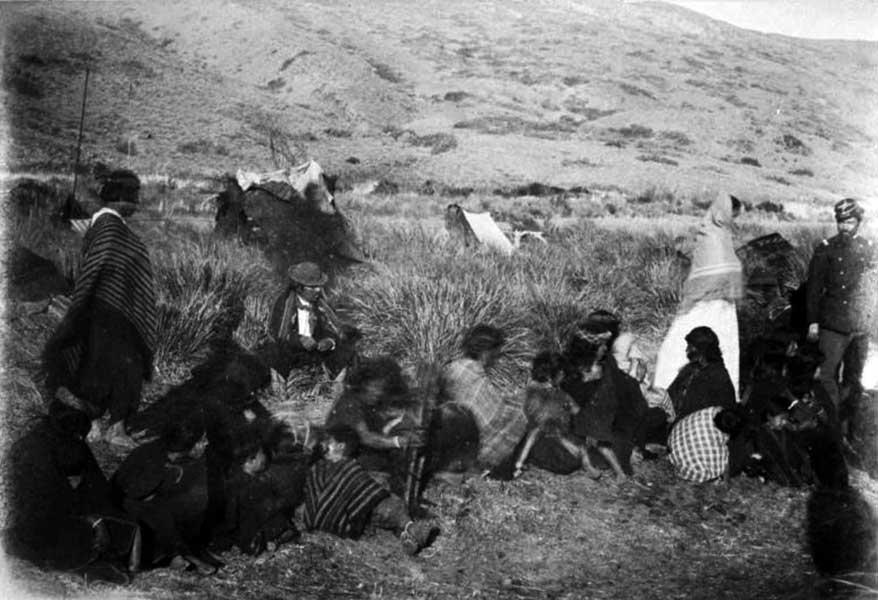Tribu de Reuque Curá sometida en Codihue.