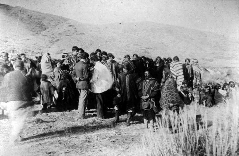 Bautismo de la tribu de Reuque Curá. Coñuene, Levi Curá, Reuque Curá. Mayo de 1883.