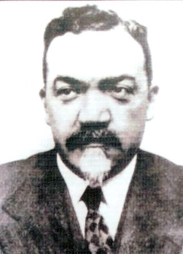 Anselmo Windhausen, fue pionero en el estudio de la geología y estratigrafía de nuestra región. Durante los años 1912 y 1913, fue comisionado para efectuar estudios al territorio neuquino con especial énfasis en la búsqueda de recursos minerales e hidrocarburíferos.