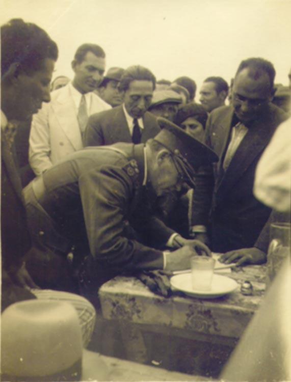 Gobernador Carlos H. Rodriguez- 1933 - Acto de fundación de Cutral Co.