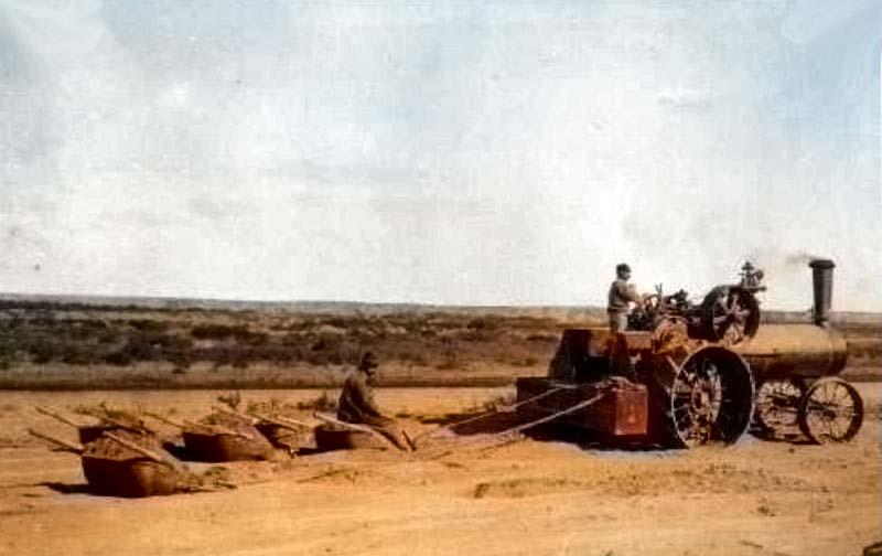 Tractor y Rastrón usado en Los Canales de Plottier, en 1912