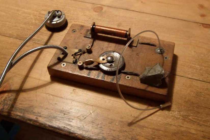 La radio de galena la podía montar uno mismo con las piezas adecuadas