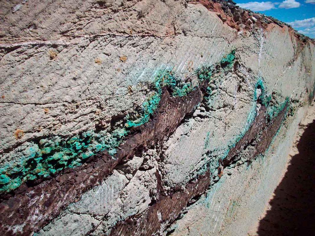 Depósitos de cobre sedimentario en rocas cretácicas, provincia del Neuquén.