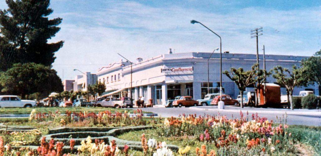Hotel Confluencia, en la esquina de la actual sede central del Banco Provincia del Neuquén.
