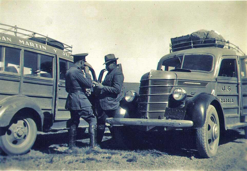 Policía en la ruta.