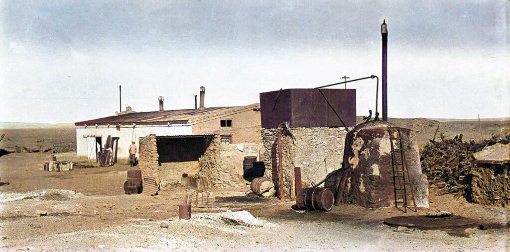 Pequeña destiladora de petróleo - 1919.