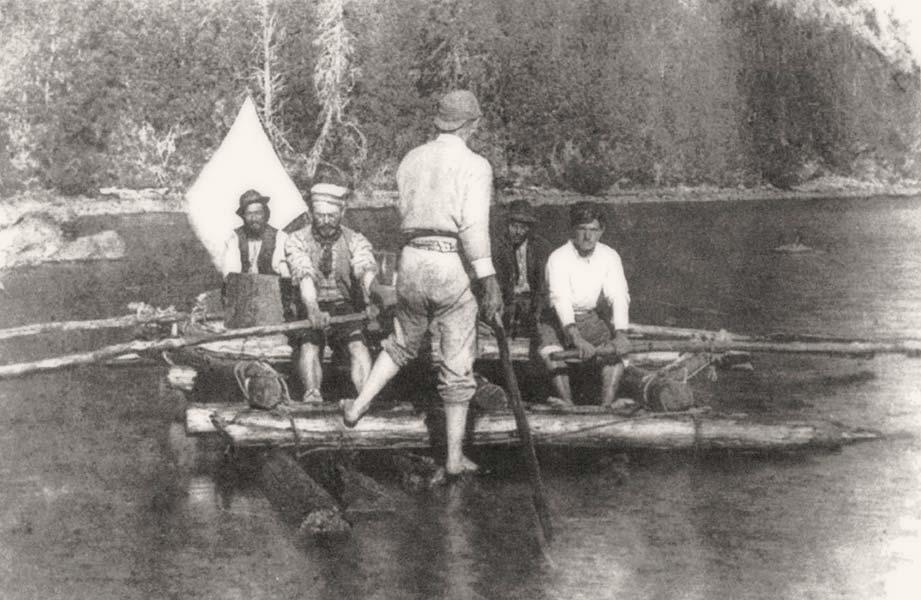 Navegando por el Lago Traful (1896). A la izquierda, el Perito Moreno, manejando un remo.