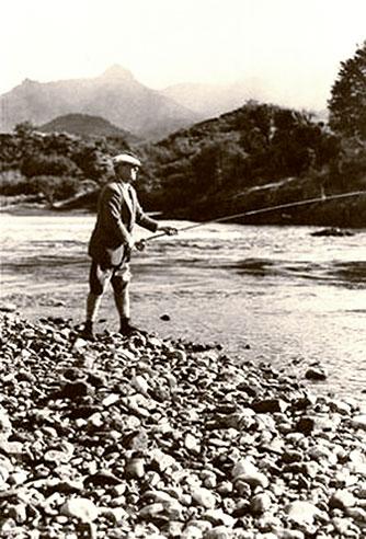 Dawson en plena actividad de pescador. Foto de Betty Dawson
