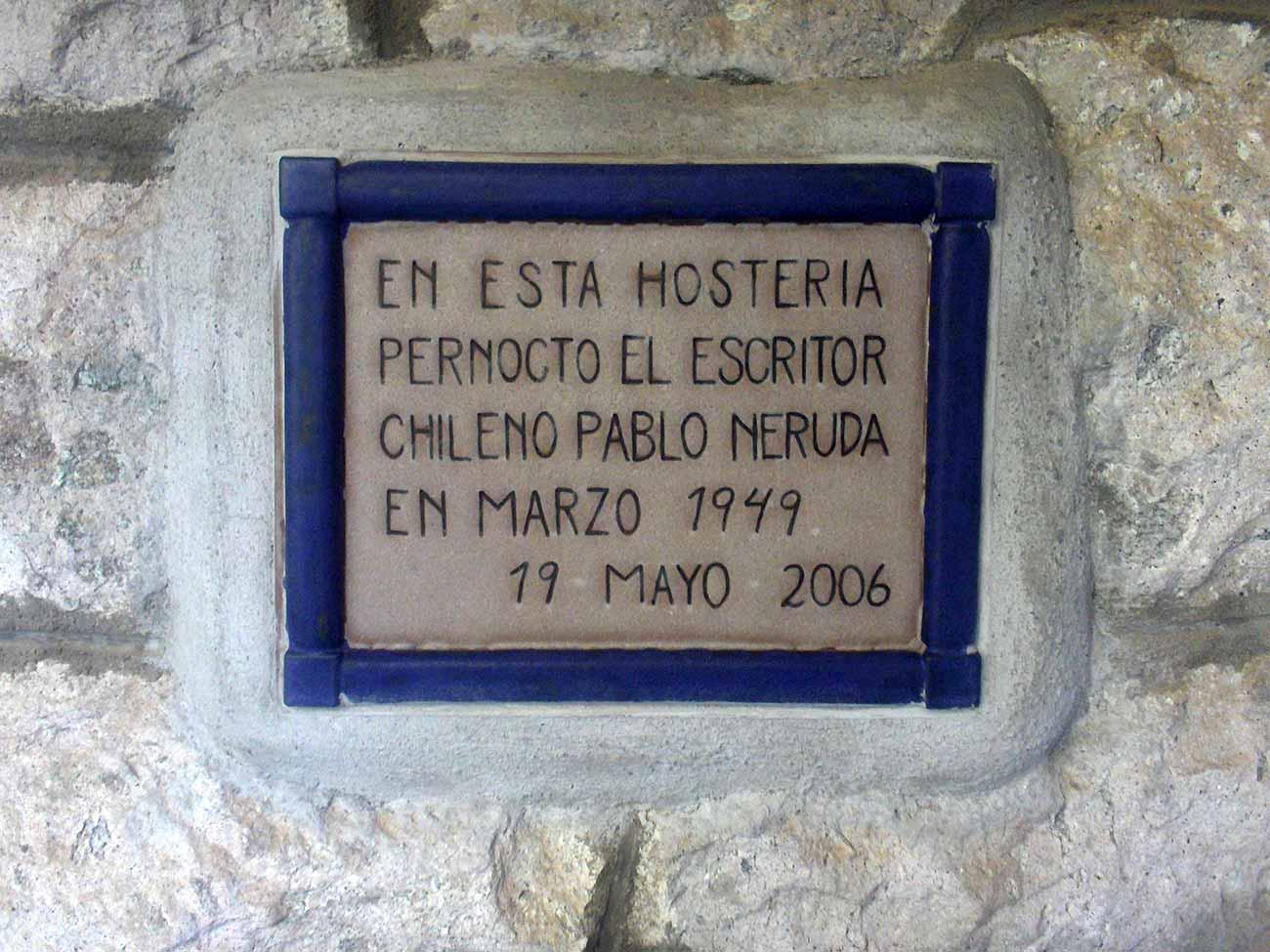 En 2006, fue descubierta la placa que recuerda el paso del poeta. Archivo de la autora