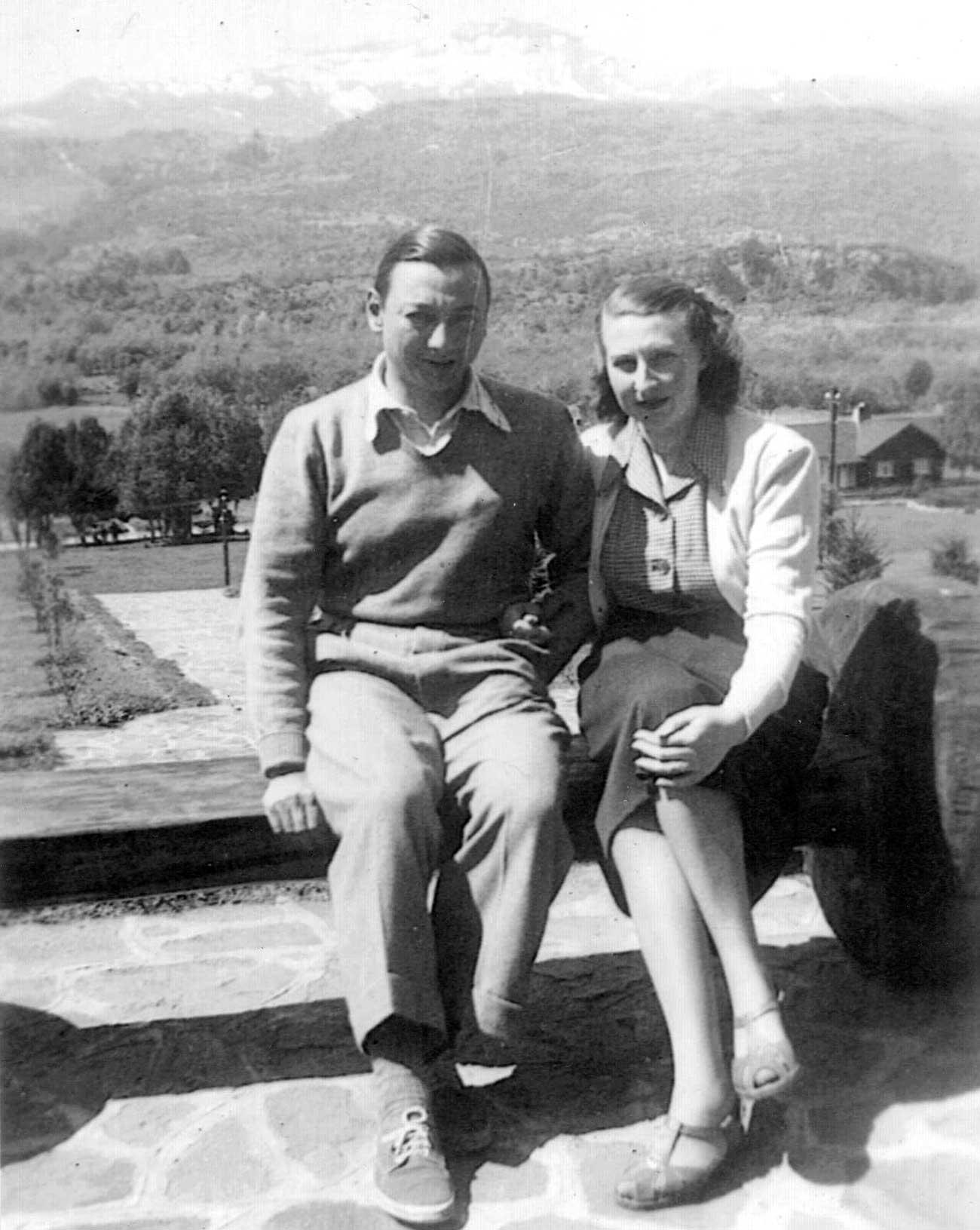 Carlos Lozada Acuña y Juana van Westen, queridos vecinos sanmartinenses, fueron anfitriones del matrimonio Sabato.