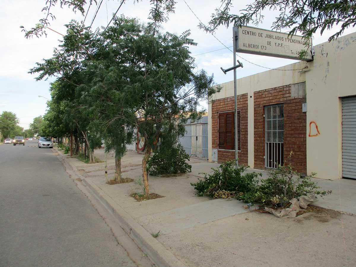 Alberdi 173, Cutal Co, en la actualidad. El lugar donde ocurrió el homicidio.