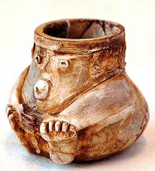 Mate; sus diseños suelen remitir al arte precolombino. Foto de Santiago Gaudio