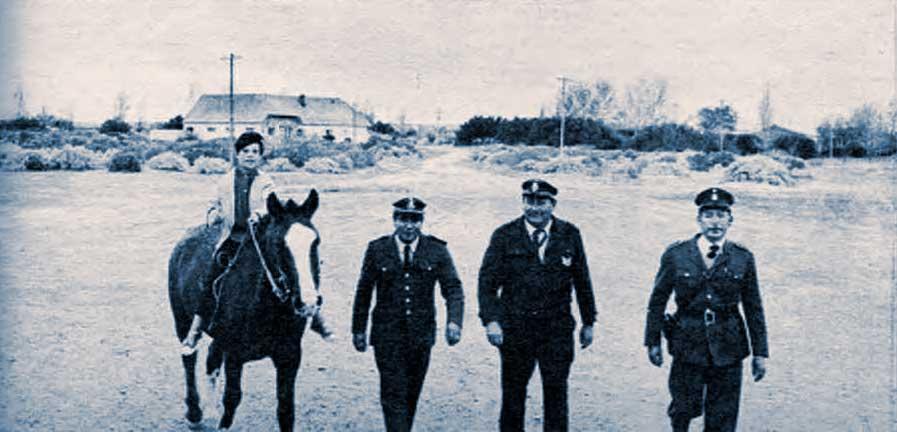 Miranda y su personal. Toda la autoridad de Picún y el hijo del oficial principal a cargo de la comisaría. Poco trabajo,
