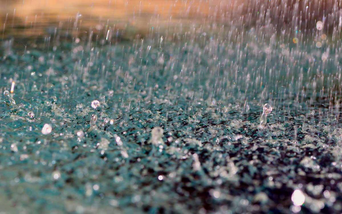La mudanza de inició bajo la lluvia